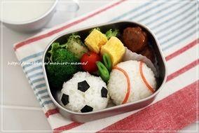 Photo of サッカーボール&野球ボールおにぎり*キャラ弁