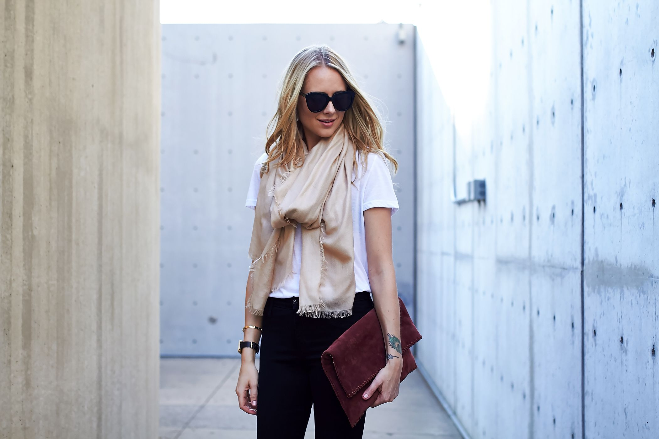 Fashion Jackson // Fall Outfit @nordstrom // white tshirt, beige scarf