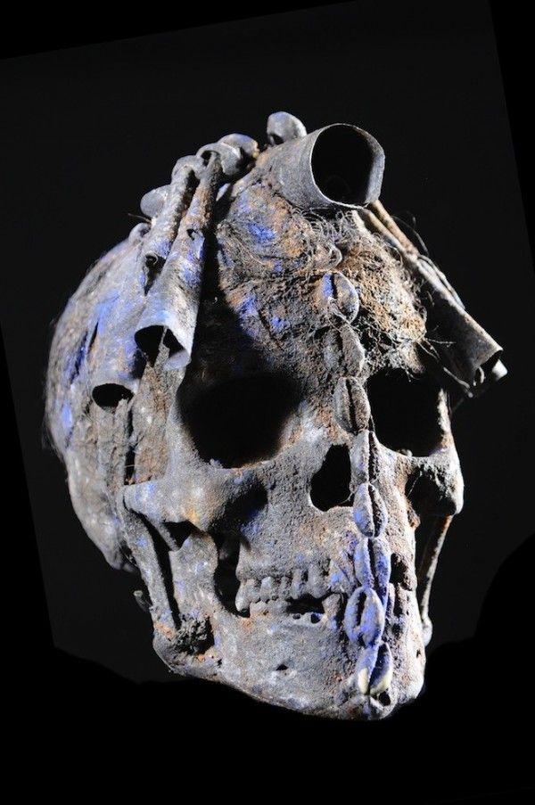 Human skull Relic - Ada / Ethnic Fon - Benin