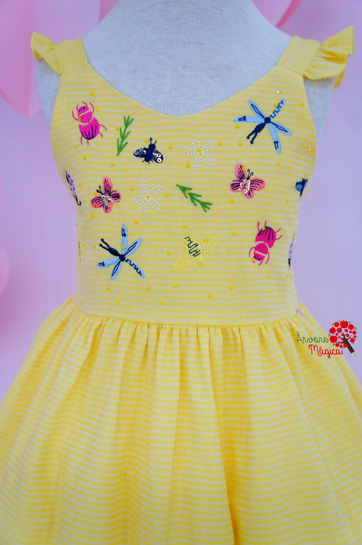 faef7a7625 Vestido Infantil Amarelo Bordado Bugs Mon Sucré