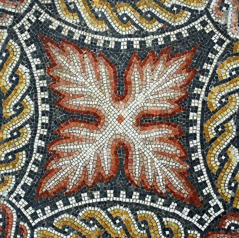 Pormenor em mosaico. Triclinium. Casa da Cruz Suástica. 2° metade do séc. III.