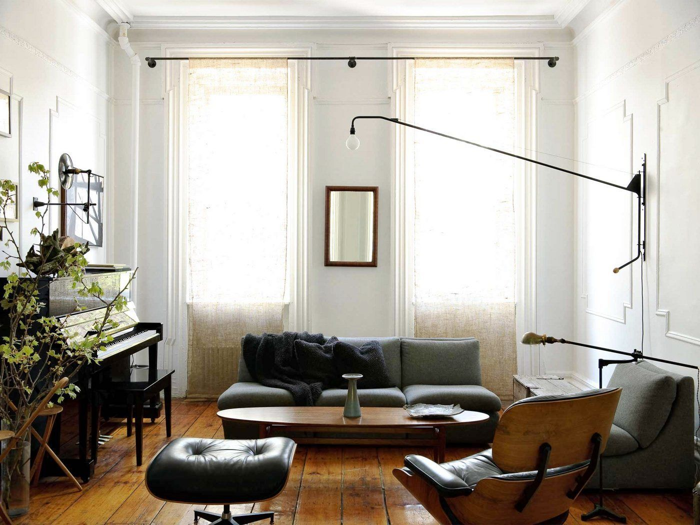 Expert Advice 11 Tips For Making A Room Look Bigger Remodelista Home Living Room Inspiration Mid Century Modern Interiors