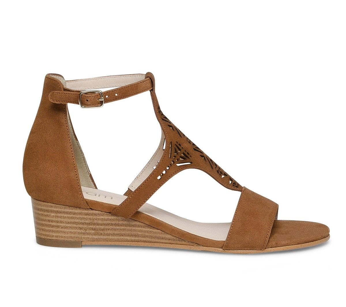 Sandale compensée cuir marron perforé Sandales talon