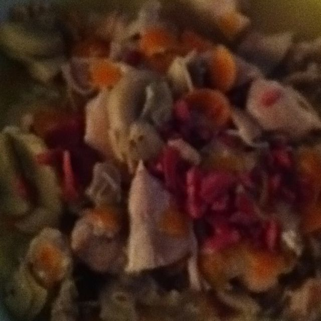Chicken with Reselling with Mushrooms and Carrots.