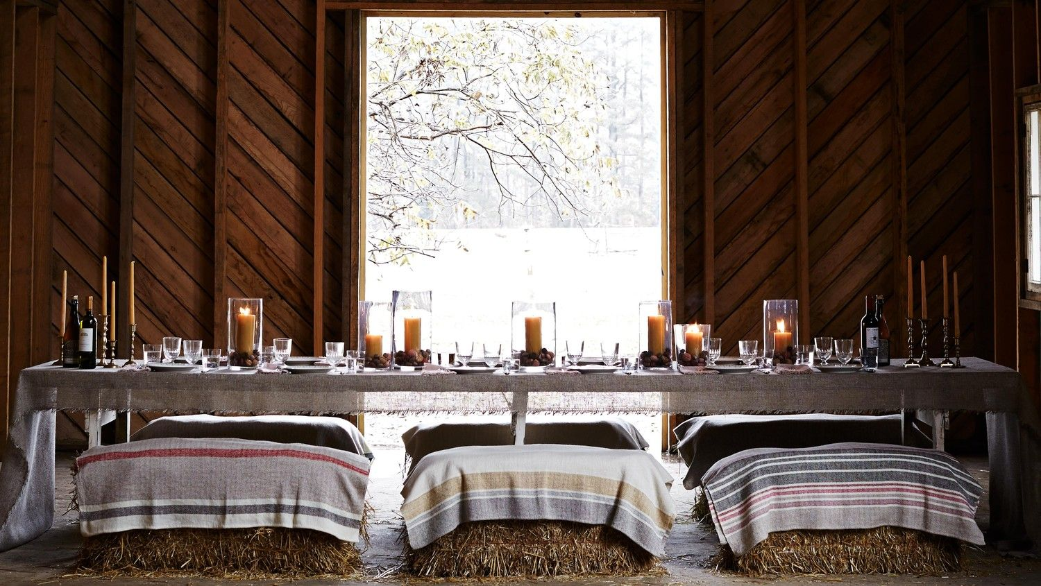 17 Thanksgiving Table Settings Sure to Wow Your Guests #thanksgivingtablesettings