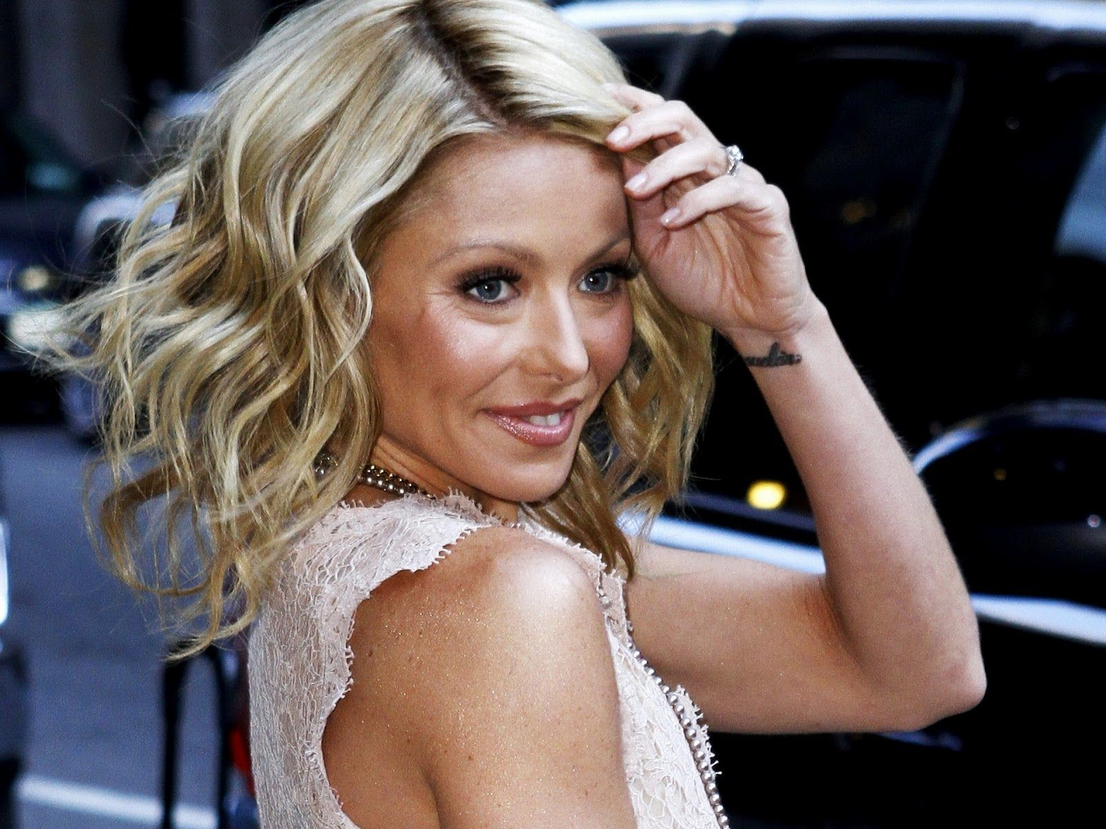 kelly ripa's recent joking proclamation that cnn's anderson cooper