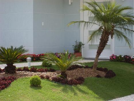 Jardins pequenos com pedriscos pesquisa google jardim - Como hacer un jardin hermoso ...