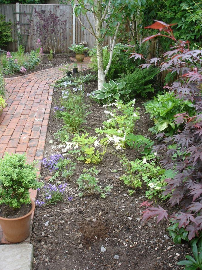 111 Gartenwege gestalten Beispiele - 7 tolle Materialien für den