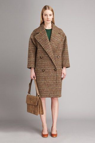 See the complete Stella McCartney Pre-Fall 2011 collection.