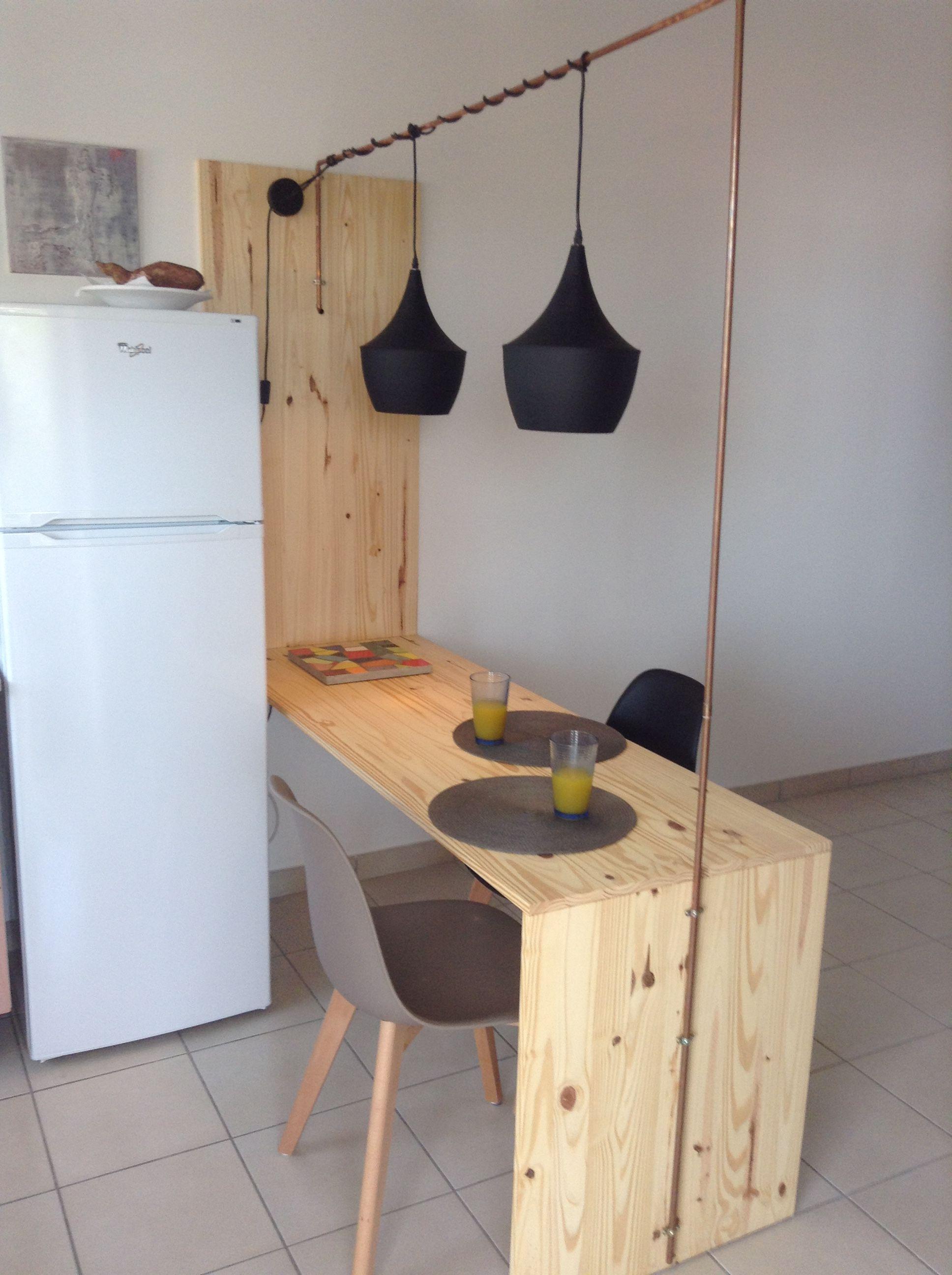 Séparation De Cuisine Bar table séparation cuisine salon façon bar en pin et luminaire