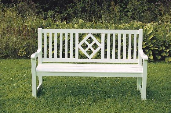 Gartenbank Tirol Weiss Klassisch Mit Einem Schonen Ornament