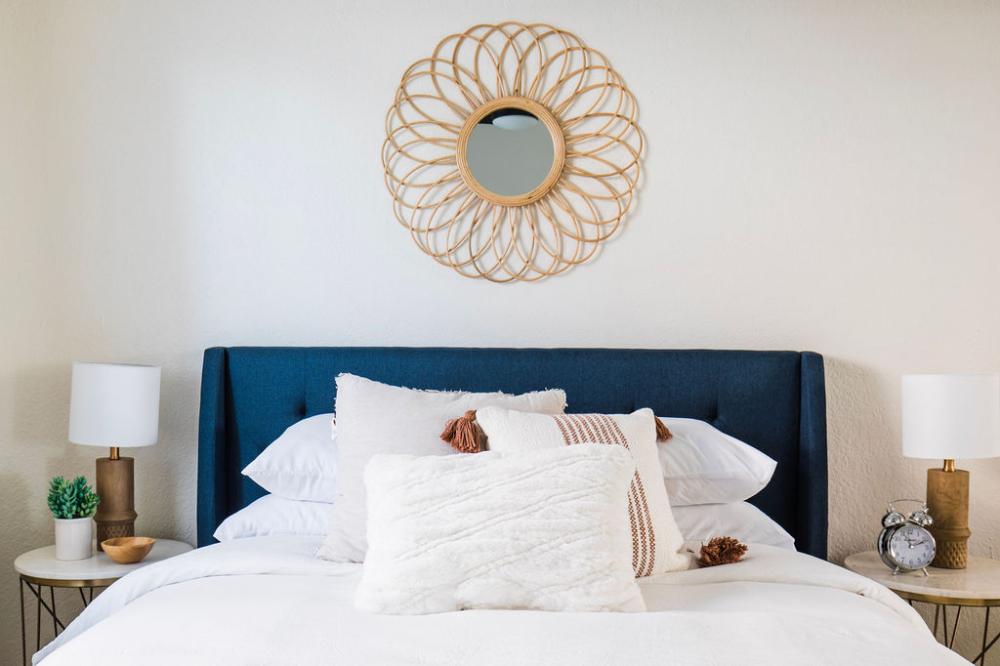 Phoenix Airbnb House Phoenixaz Airbnb Airbnbstaging Airbnbprep Airbnbdesign Airbnbstyling Airbnbdes In 2020 Interior Interior Design Portfolio Interior Remodel