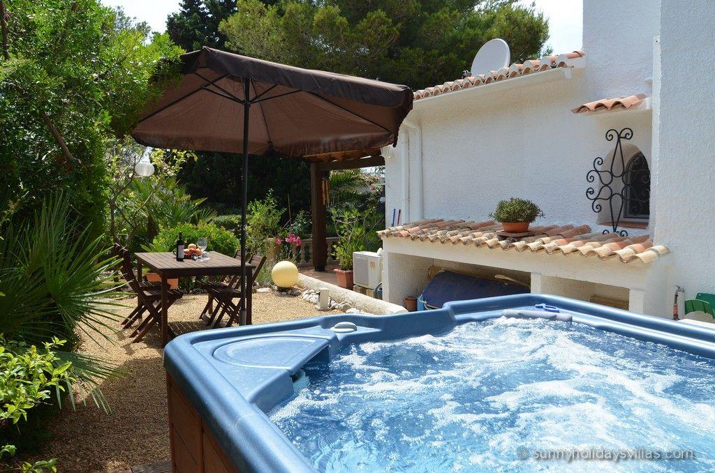Villa Ri in Javea, sleeps 6, private heatable pool and