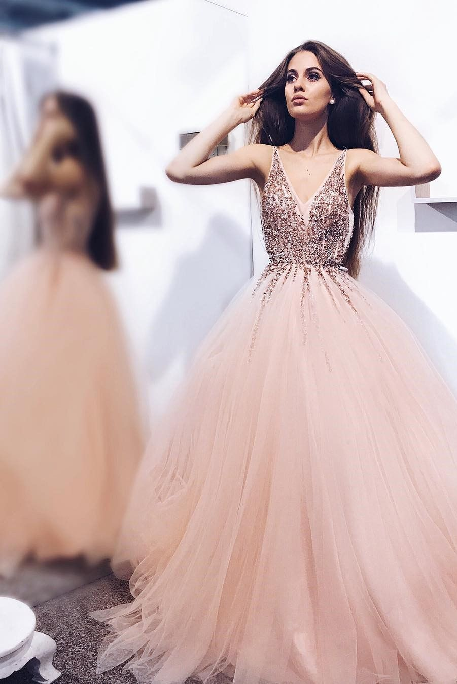 V Neck Sequin Sparkly Beads Evening Dresses 513720f439ba