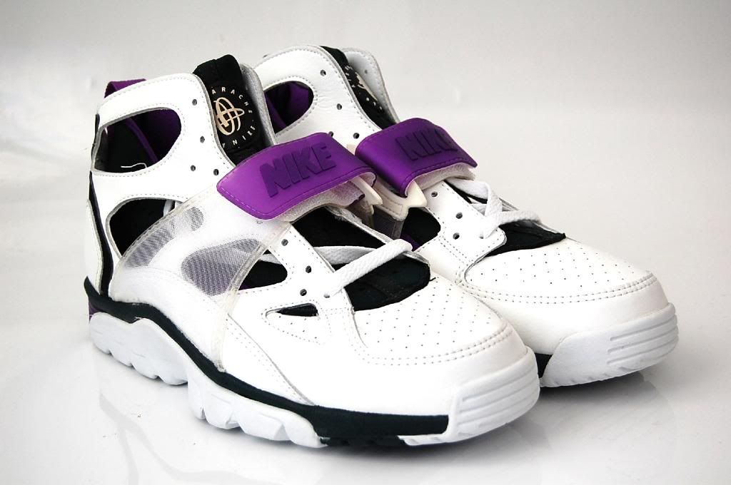timeless design 2dc8d 73119 Nike Air Trainer Huarache 92 | Kicks | Nike air trainer ...