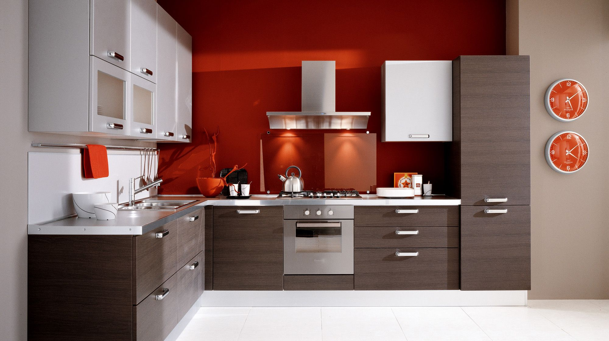 Cocinas en rojo - treinta y ocho diseños ardientes -   Interiors and ...