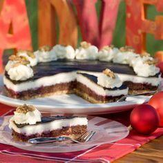 Das Rezept für die festliche Weihnachtstorte hat sich Martha Tranel aus Nordlohne, Kreis Grafschaft Bentheim, vor zwei Jahren selbst...