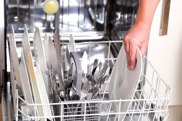 Empty your dishwasher before guests come so that everything can be thrown straight in after the meal. | 27 Last-Minute Thanksgiving Tips For The Laziest Host Of All Time