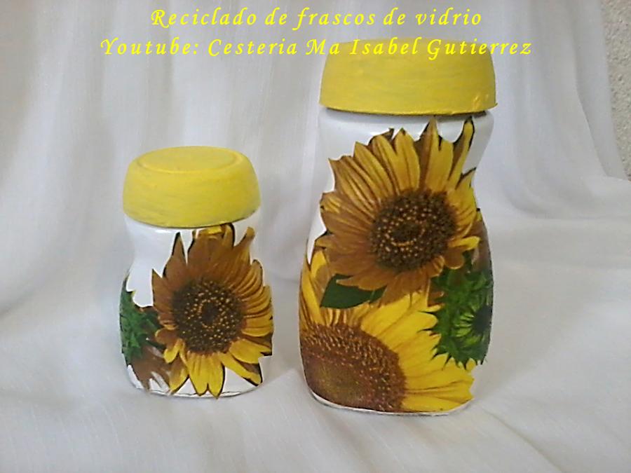 Reciclando frascos con decoupage as de f cil - Manualidades con botellas de cristal ...