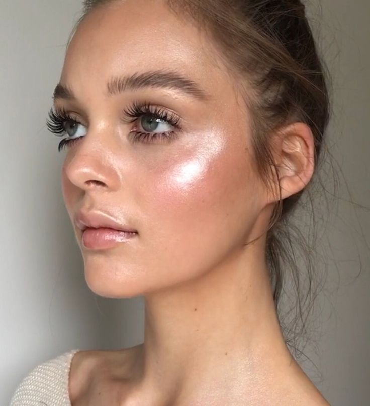 Photo of Natural skin make-up look with extra blush and highlighter, mascara and brushed … – For the wedding