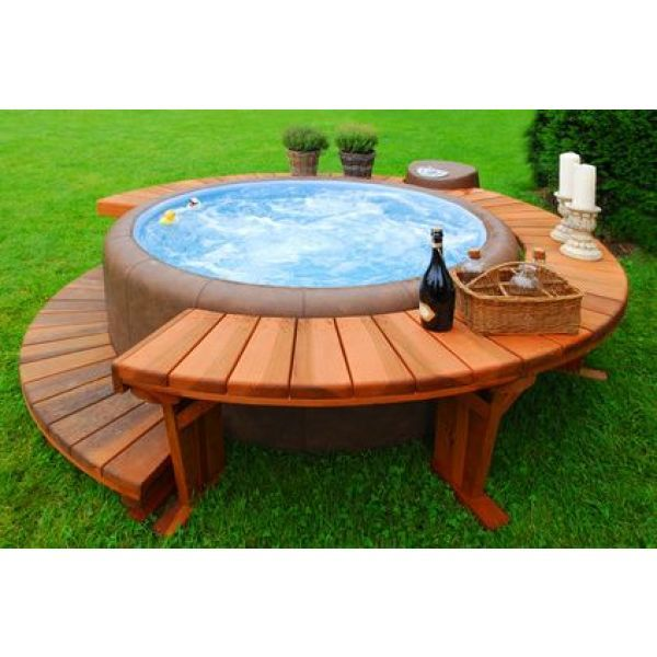 le jacuzzi ext rieur le bien tre au jardin ou sur la terrasse. Black Bedroom Furniture Sets. Home Design Ideas