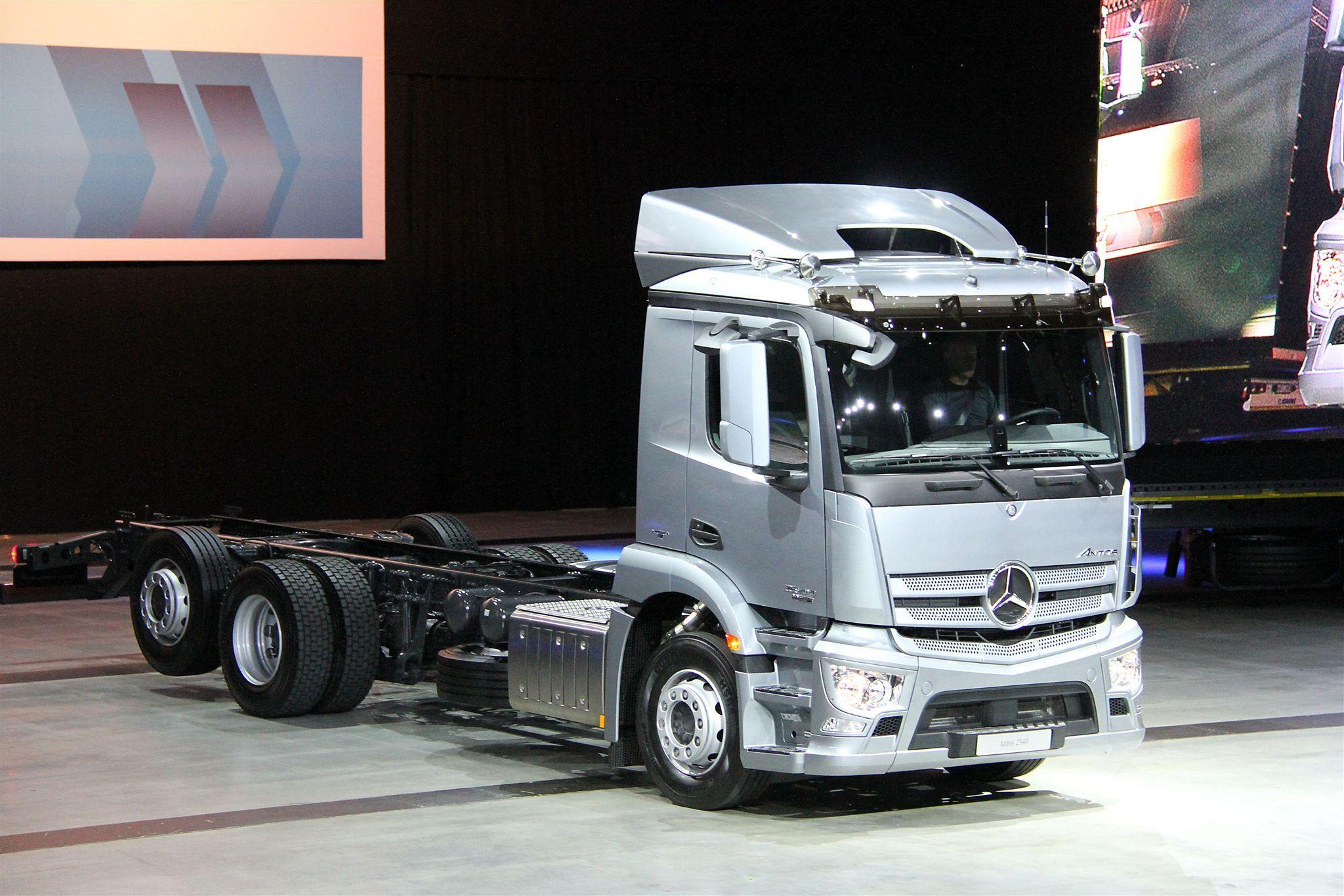 0cf0beee27 Ausblick auf die IAA Nutzfahrzeuge 2012 – Weltpremiere des neuen ...