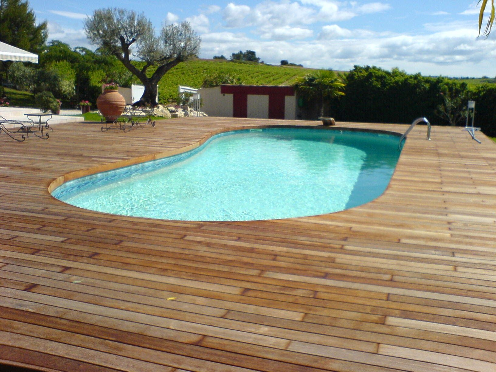 Terrasse De Piscine En Merbau Visserie Cach E Avec Margelle  ~ Terrasse Bois Piscine Octogonale