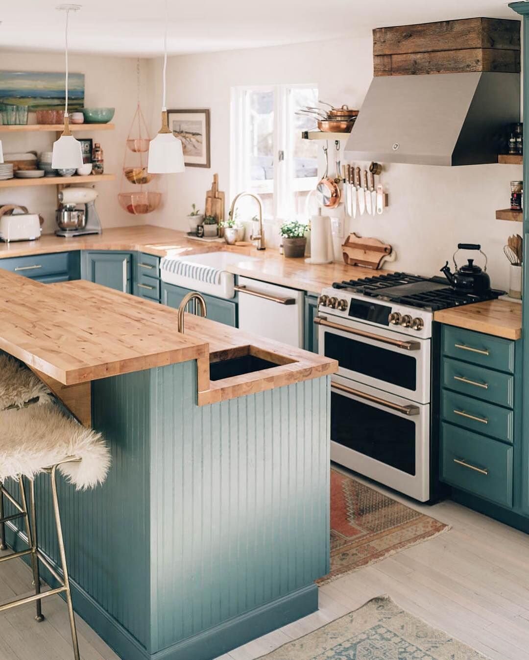 Apartment Therapy On Instagram Obsessed With This Kitchen Image Thecozyranc Interior Design Kitchen Small Small Kitchen Inspiration Small Kitchen Tables