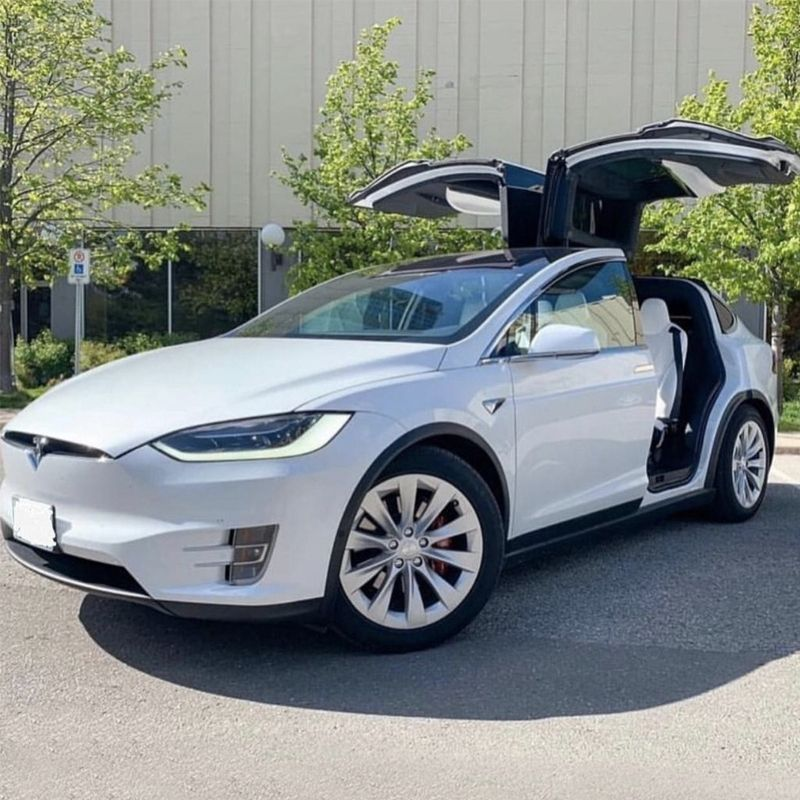 The Tesla Model X Is A Benchmark In The World Of Cars With Auto Pilot Along With The Ability To Steer Accelerate And Bra Tesla Model X Tesla Model Car Rental
