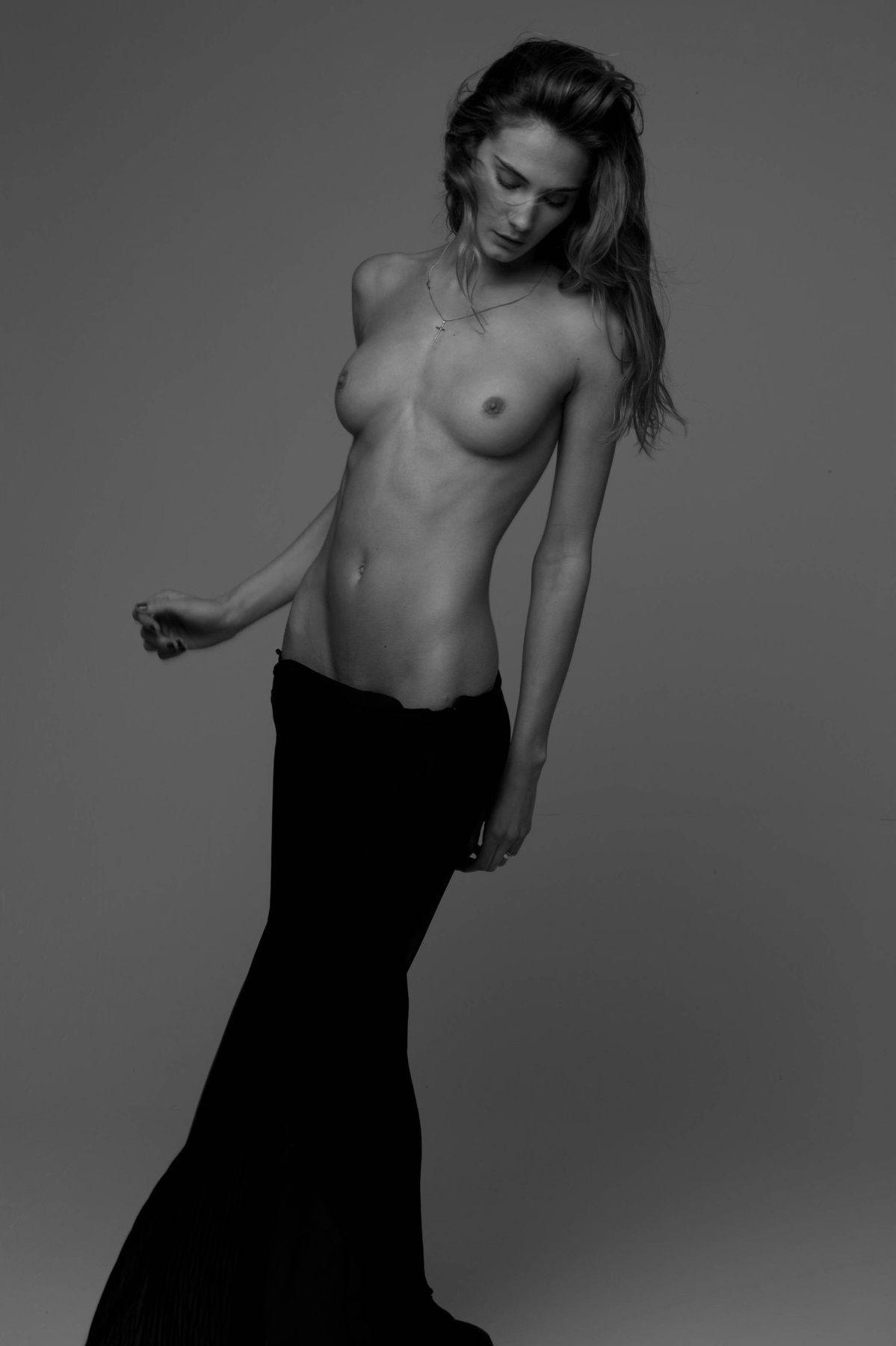 Nude girls in Estet MF pictures 11
