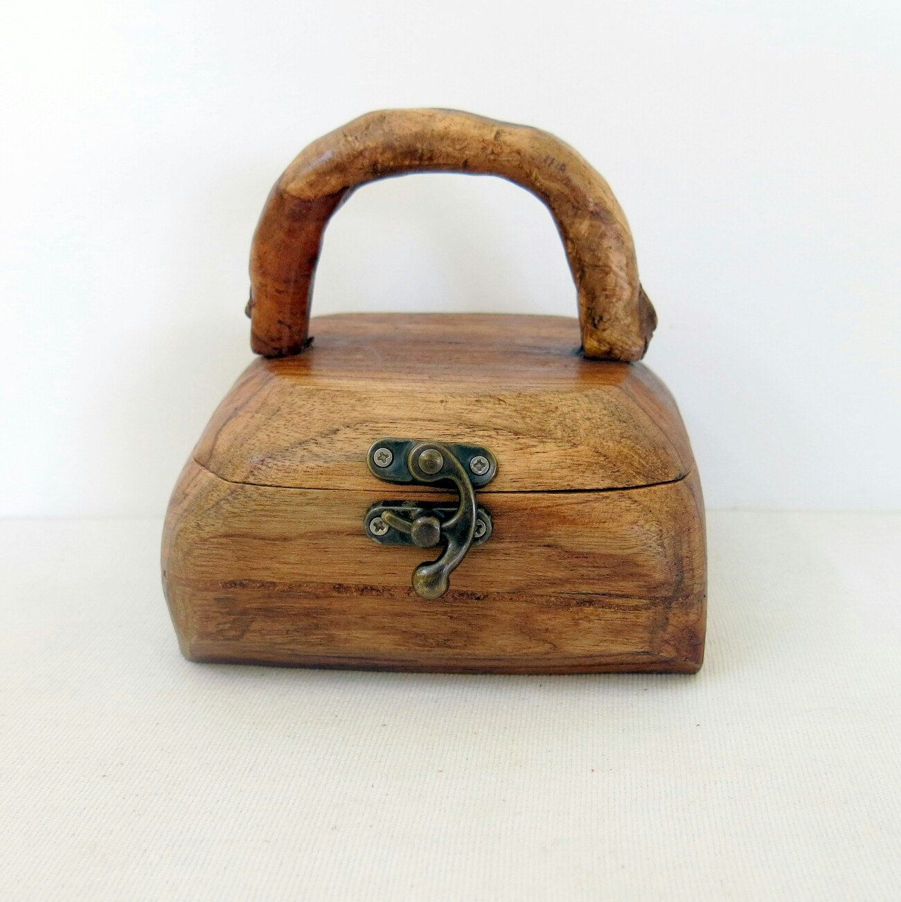 Ring Box Jewelry Box Log Box Wooden Handbag Wooden Box Vintage
