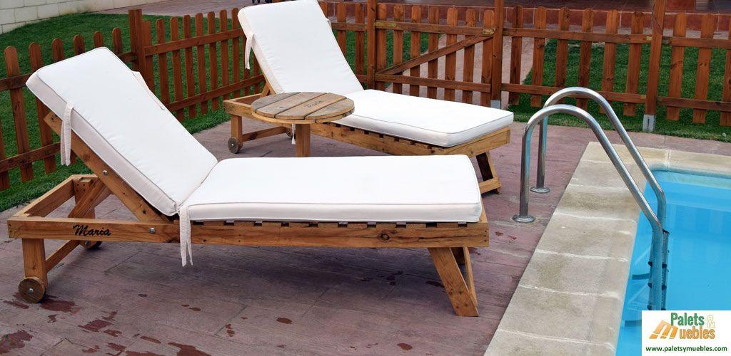 muebles de palets para piscina chillout dos tumbonas y una mesa materia prima