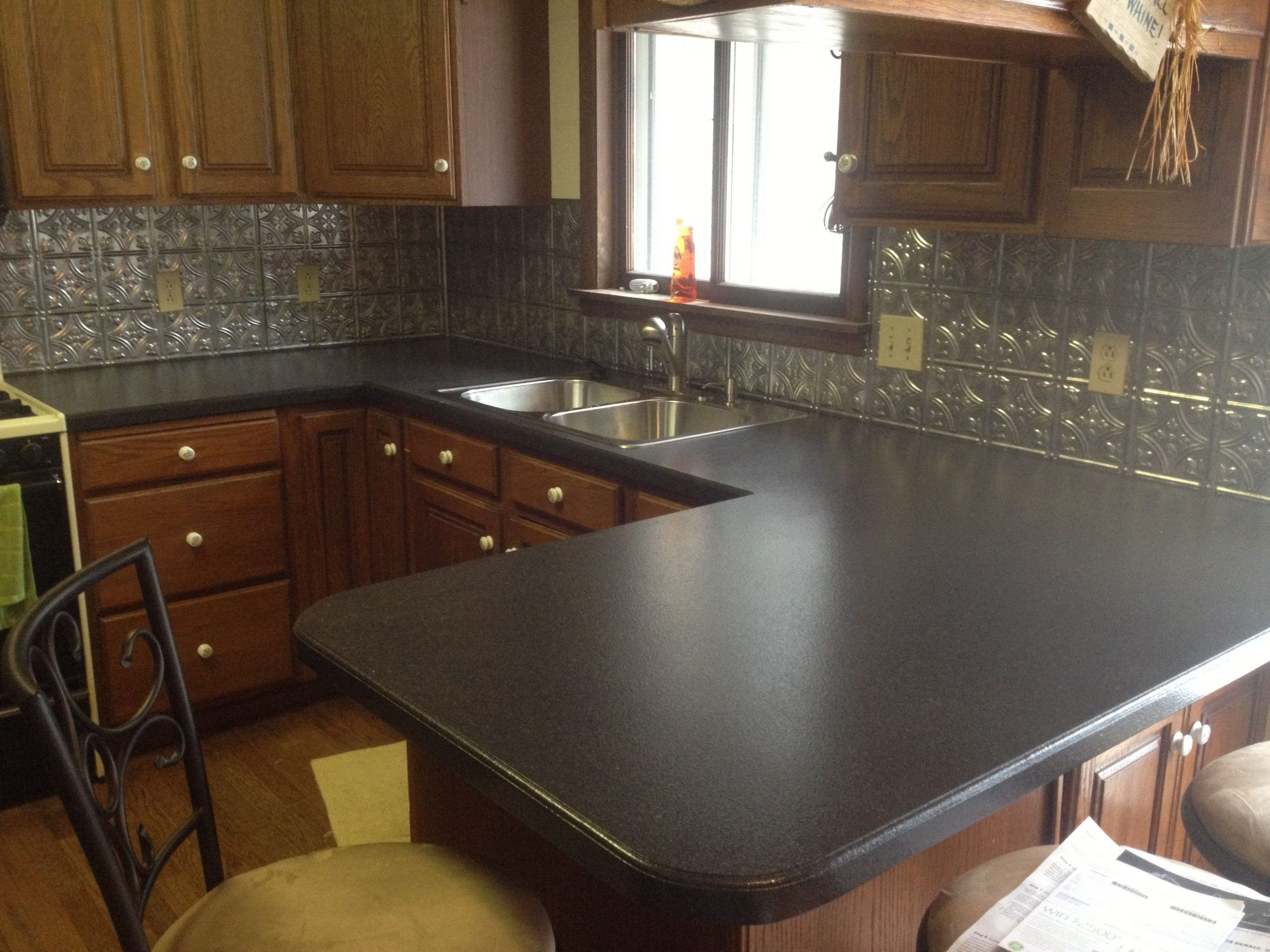 Corian Countertop Vs Laminate 2 Things You Need To Know About Corian Countertop Vs L In 2020 Kitchen Countertops Prices Kitchen Countertops Corian Kitchen Countertops