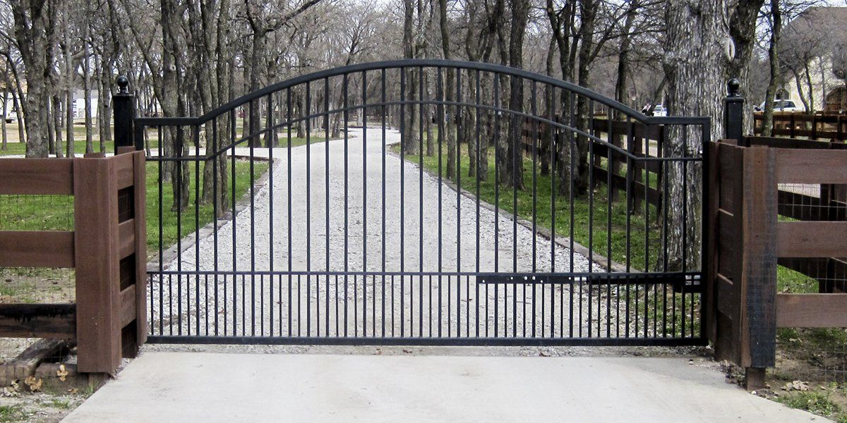 Metal Driveway Gates Mighty Mule Wrought Iron Driveway Gates Metal Driveway Gates Driveway Gate