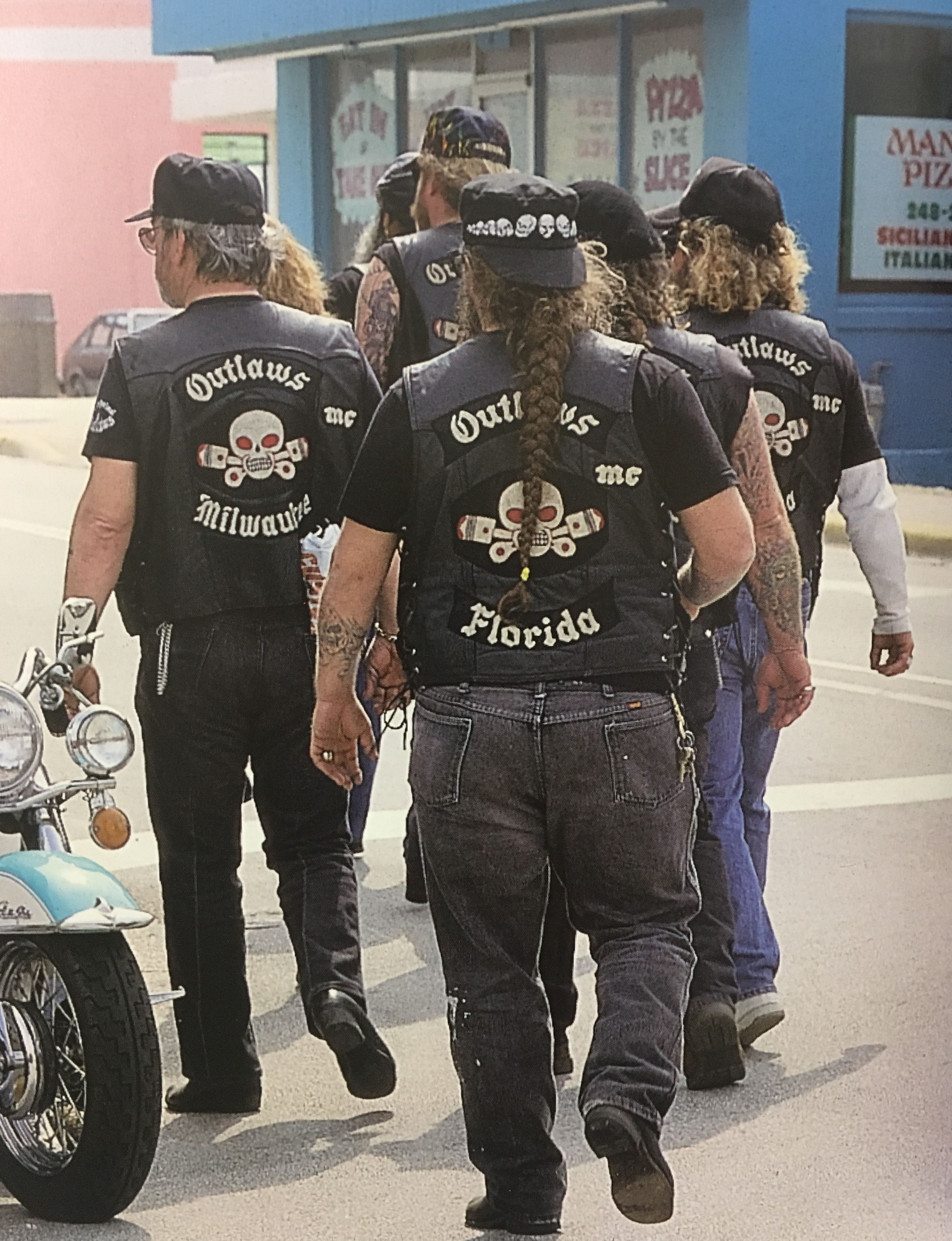Outlaws MC | Outlaw Bikers | Outlaws motorcycle club, Biker clubs