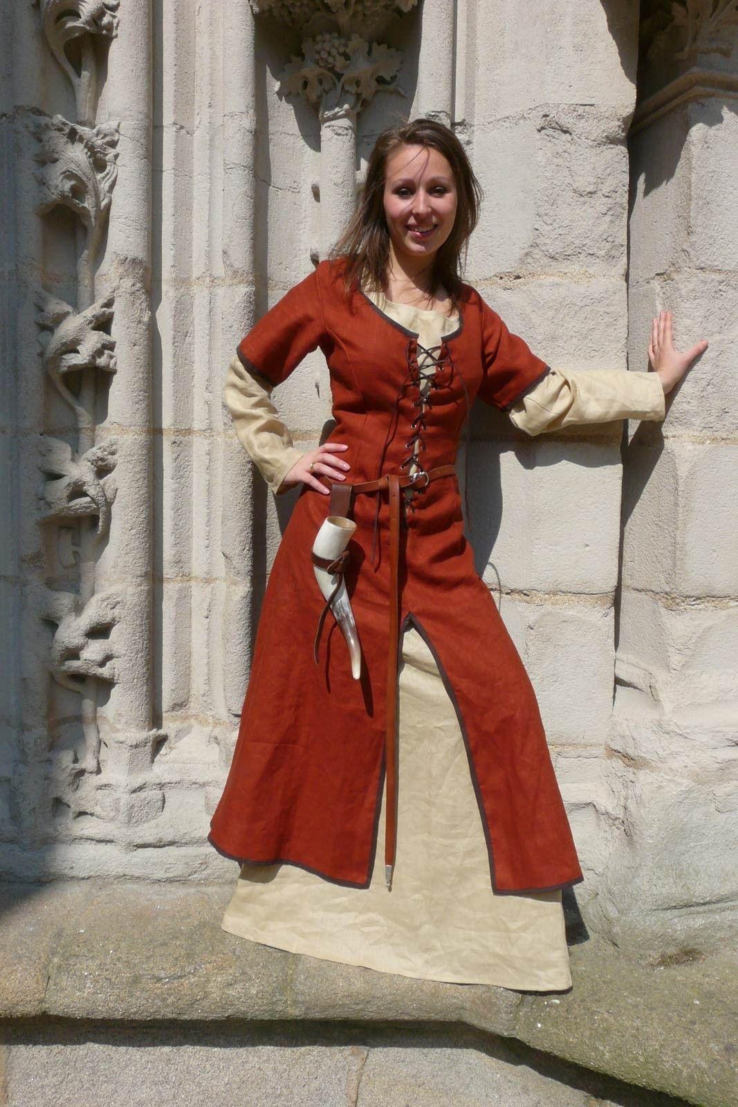 Vêtement moyen age robedryade Boutique médiévale