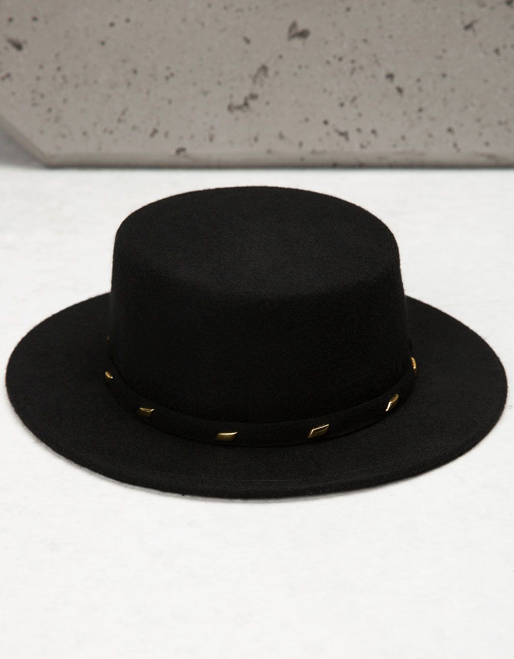 Sombrero fedora tachas -  FIESTA  NIGHT COLLECTION - Bershka Mexico ... 8fae357cbbb