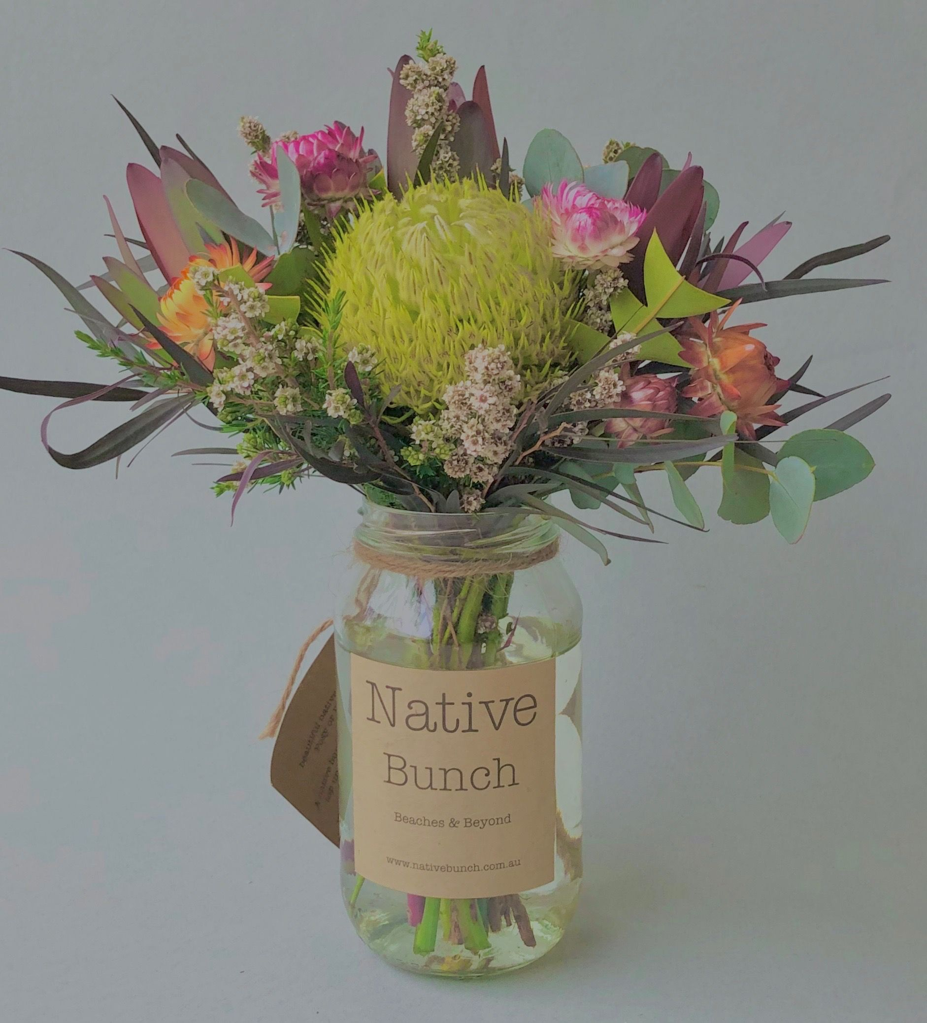 Native Flower Posy By Native Bunch Banksia Everlasting Daisies Leucadendrons Ti Tree Available From 35 In 2020