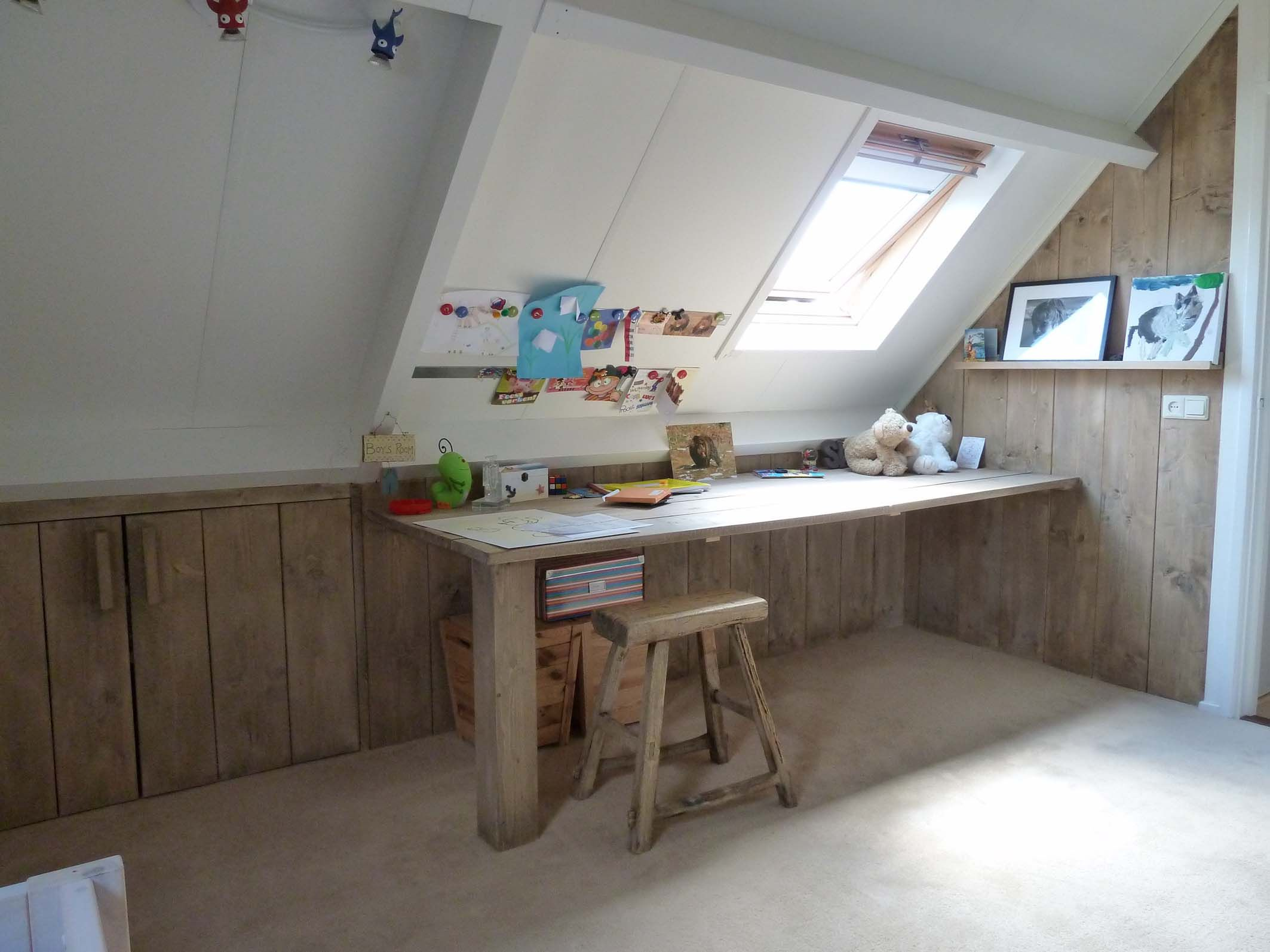 Bureau kinderkamer steigerhout jasiena slaapkamer pinterest bureaus kinderkamer en zolder - Kind mezzanine kantoor ...