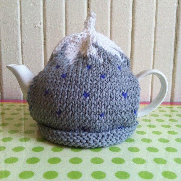 spiral top tea cosy (free pattern!) | Tea Cosy | Pinterest | Tejido