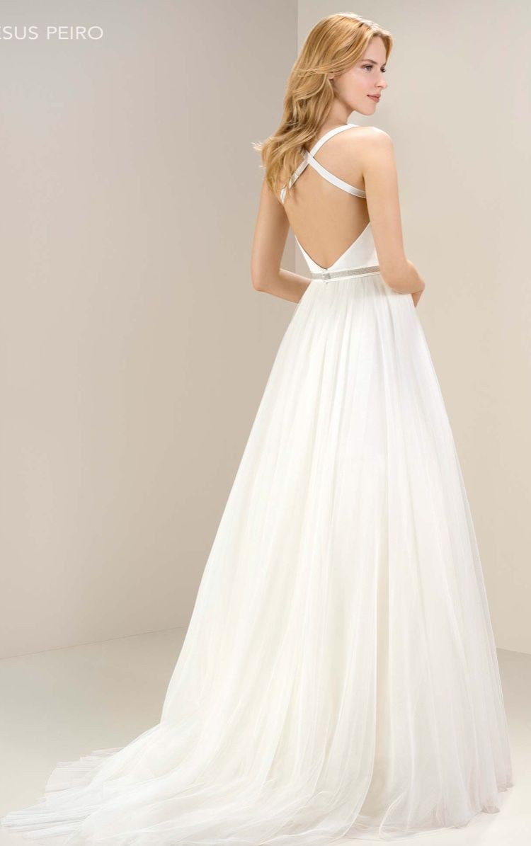 Jesus Peiro Wedding Dress Sell My Wedding Dress 1000 00 In Stock Sell My Wedding Dress Wedding Dresses Online Wedding Dress