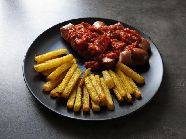 Currywurst mit Kohlrabipommes – howegethealthy