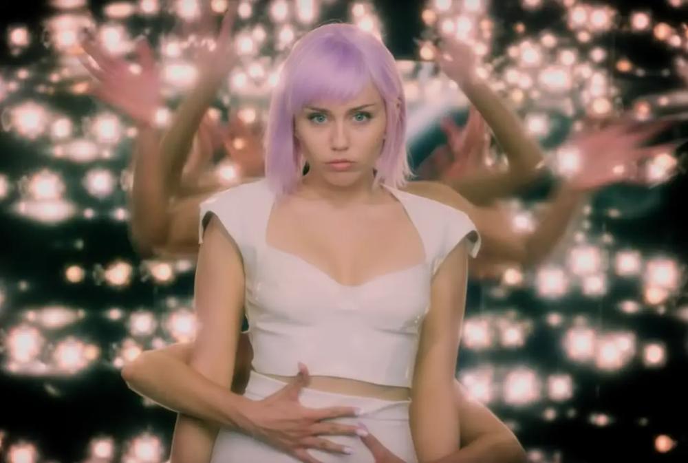 All 23 Episodes Of Netflix S Black Mirror Ranked From Worst To Best Black Mirror Miley Cyrus Netflix