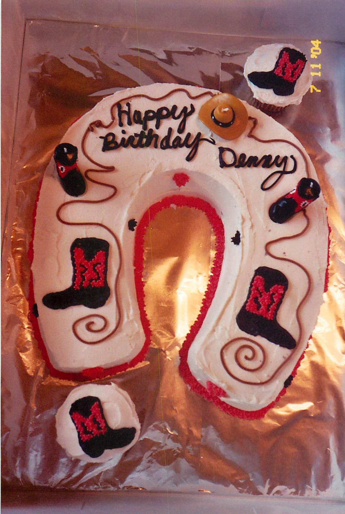 Cowboy Horseshoe Cake & Cupcakes