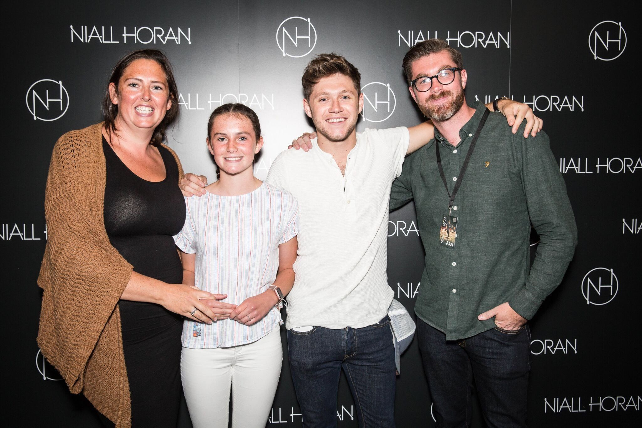 August 31 Niall With Fans At The Flicker Sessions London Meet N