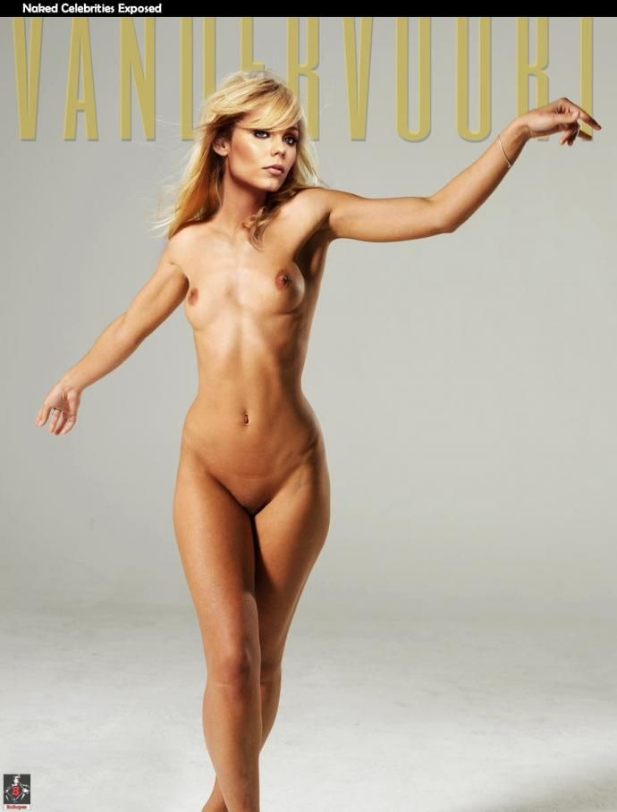 nud girl vs boy play
