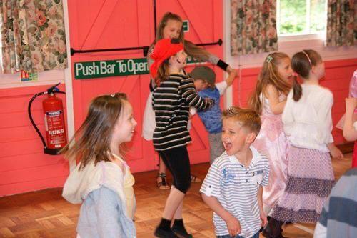 Realjpg Wayne Wonder In Action Pinterest High Wycombe - Children's birthday parties high wycombe