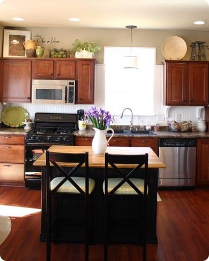Green Accents ♥ Wooden Cabinets