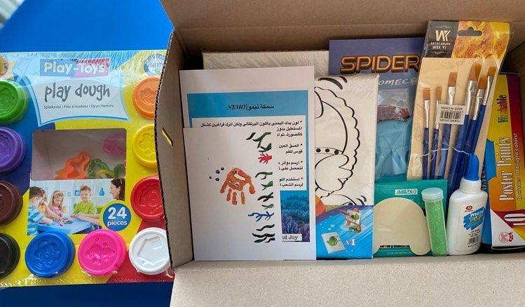 صندوقنا الجديد يحتوي على ٤ فعاليات للطفل كانفس جاهزه للتلوين صلصال كانفس حجم كبير مع بطاقة فكرة الرسم وبطاقة الشرح قطعة خ Play Toys Playdough Painting