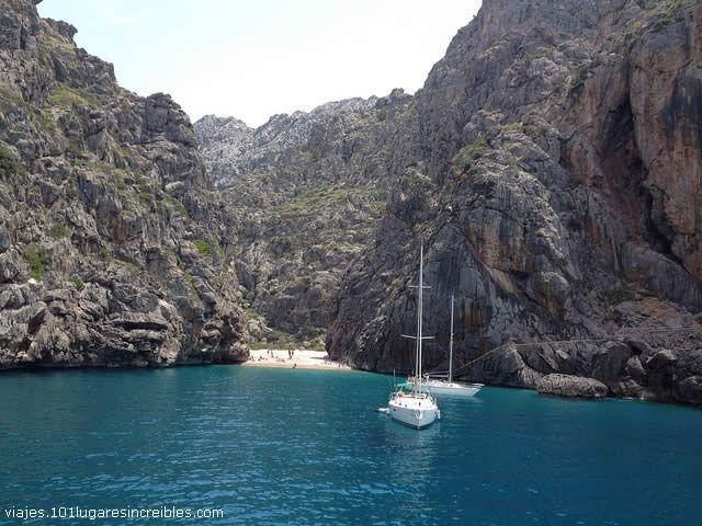 Watch: SA CALOBRA BEACH - Mallorca Island, Spain http://destinations-for-travelers.blogspot.com/2013/06/sa-calobra-playa-en-el-municipio-de-escorca-isla-de-mallorca-espana.html